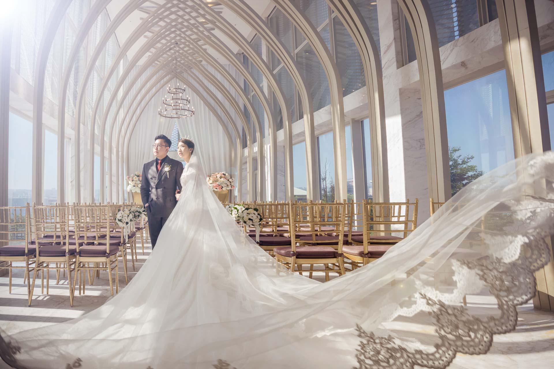 台中婚禮紀錄|在 萊特薇庭 夢幻證婚堂來場令人印象深刻的婚禮派對吧!!